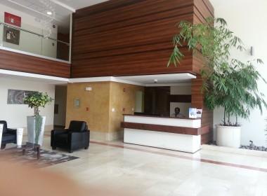 4-Lobby