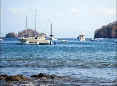 playas-del-coco-barcos